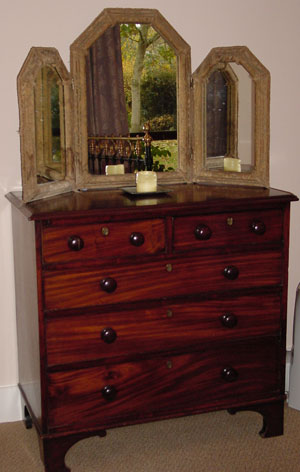 chest of drawers 340